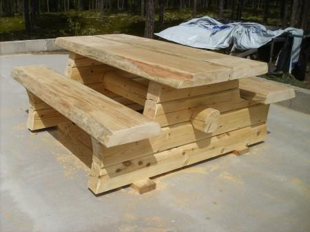 Laftebenk i tømmer